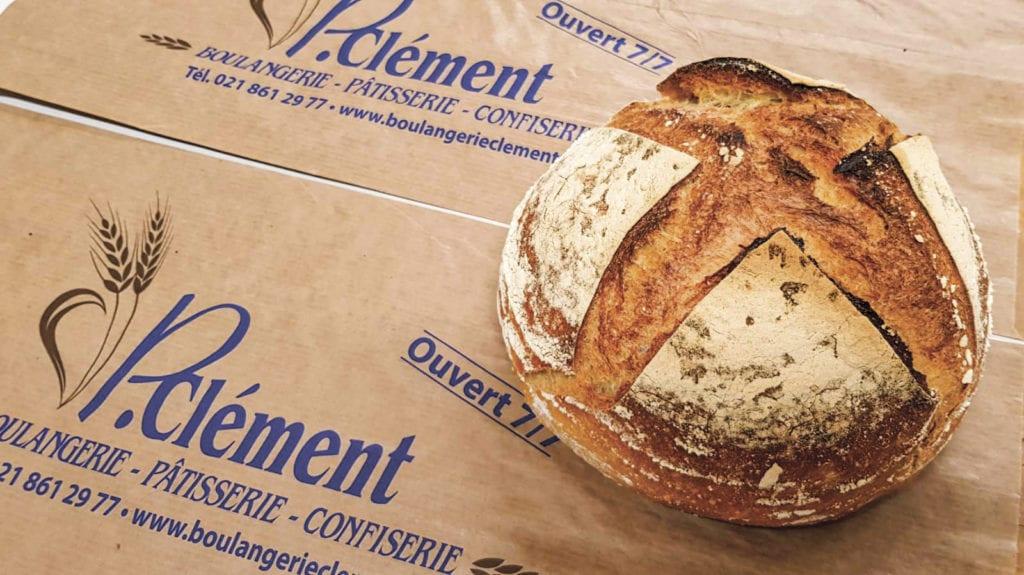 Brot wie früher aus 100 % Sauerteig und Mehl in Bioqualität.